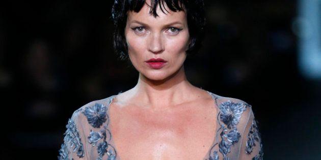 Alta Moda Parigi: Kate Moss sfila per Marc jacobs's, a sorpresa con la parrucca nera?