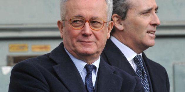 Mps, Giulio Tremonti rompe con Grilli e lancia sospetti sul ministro e su Mario