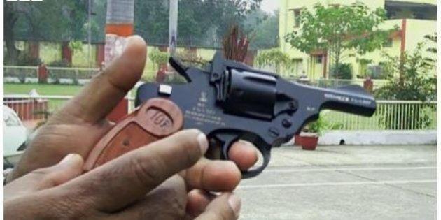 Nirbhaya: in India la pistola antistupro, intitolata a studentessa uccisa (FOTO,