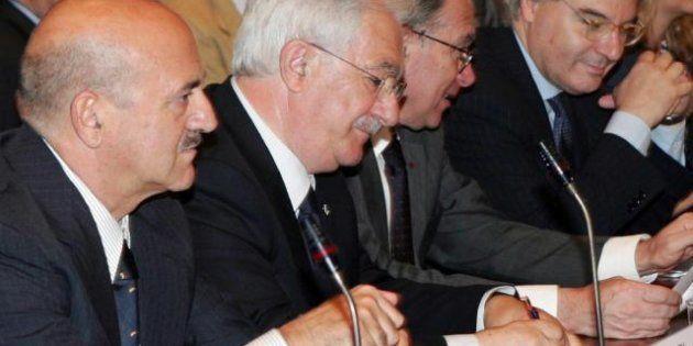 Fiat: sindacati uniti contro la mobilità di 19 operai a Pomigliano. L'azienda faccia un passo