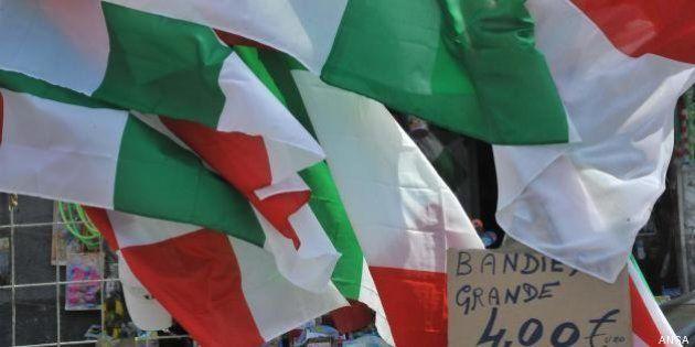 25 aprile: le bandiere tricolore ora si fanno in Cina e si vendono