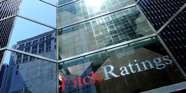 Crisi, Fitch taglia il rating dell'Italia a BBB+ con outlook negativo: