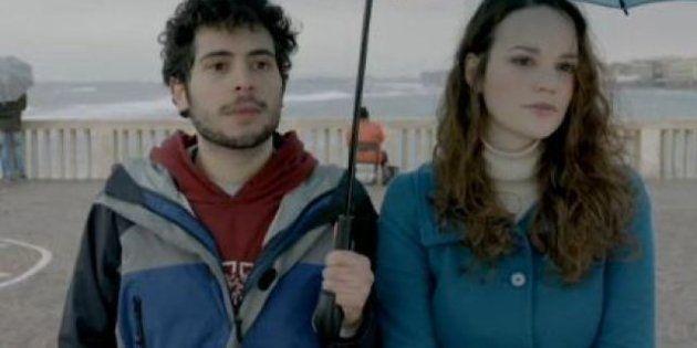 Elezioni 2013: si intitolano il parto e il bacio sono i due spot elettorali del Pd. Il regista è Luca...