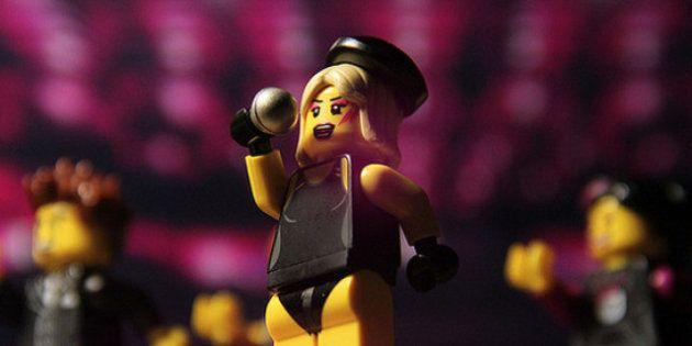 Lady Gaga: l'omaggio dei fan, tra sculture di Lego, gioielli e fumetti (FOTO,