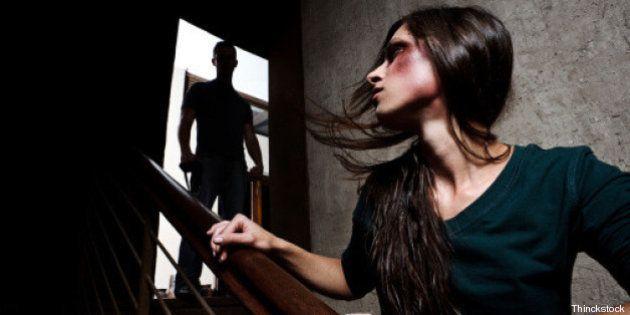 Femminicidio: improvvisazioni teatrali di Olivier Malcor sulla violenza sulle donne