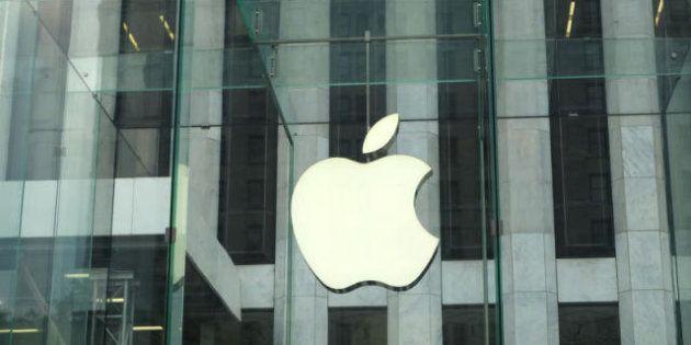 Apple, la mela è a buon mercato. Secondo Goldman Sachs il titolo che oggi viaggia attorno ai 400 dollari...