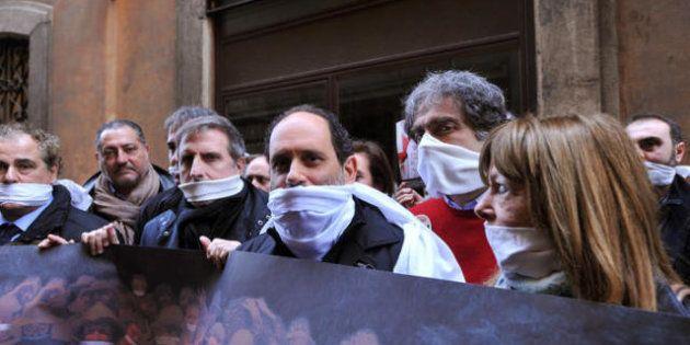 Elezioni 2013, svolta decisa a sinistra di Antonio Ingroia. Invita a Roma il comunista francese Mélechon...