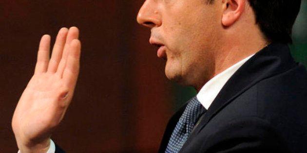 Nel Pd Renzi scalpita e sono veleni con i bersaniani sulle spese del partito. Ma per ora il sindaco si...