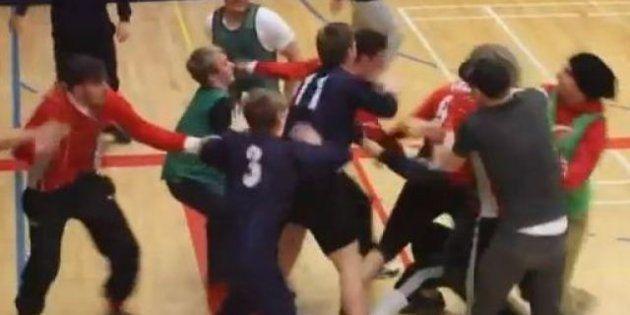 Soccer estremo in Islanda: torneo di calcio a 5 indoor violentissimo