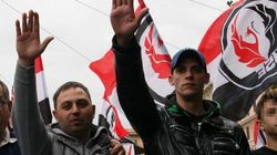 Il flop dei neofascisti: sfilano poche centinaia di persone, tra saluti romani e ex terroristi neri