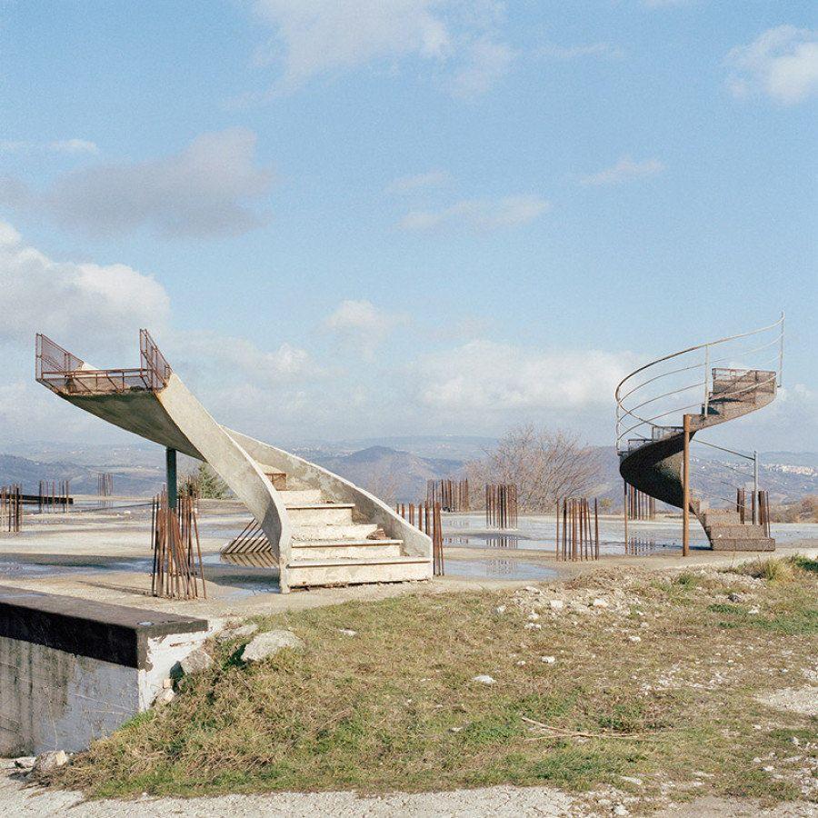 Terra Project e Wu Ming 2, il progetto fotografico su aria, acqua, terra e fuoco in mostra a Firenze