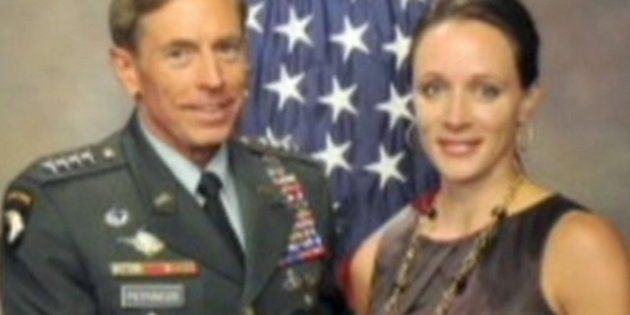 Caso Petraeus, mercoledì i vertici Fbi e Cia in Congresso
