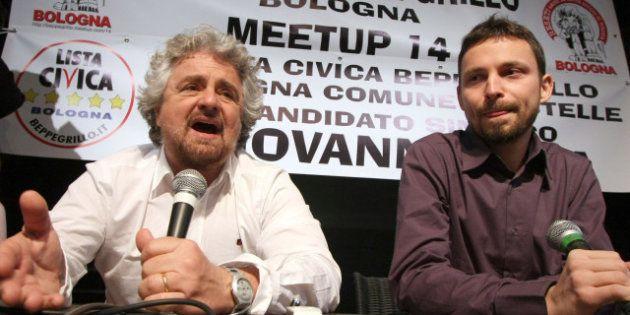 Beppe Grillo, la settimana che portò allo statuto M5S. Tra espulsioni, guerra sul simbolo e tensioni...