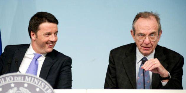 Matteo Renzi senza slide ma con Pier Carlo Padoan: il ministro dell'Economia scende in campo col