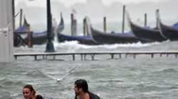 Maltempo: acqua alta da record a Venezia. Disagi in diverse province del centro-nord