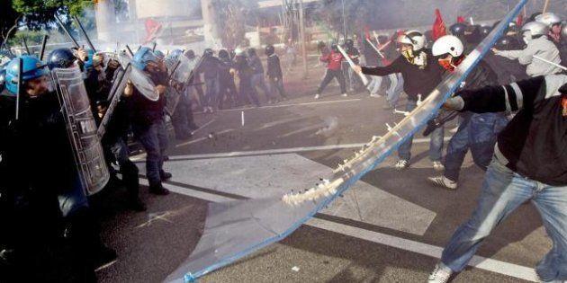 Napoli, studenti e precari in piazza contro Fornero e Profumo.