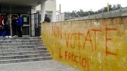 Ischia, scritte omofobe contro lo studente