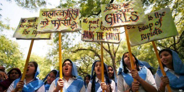 India: muore dopo lo stupro una bambina di 4 anni, nuove proteste contro la violenza (FOTO,
