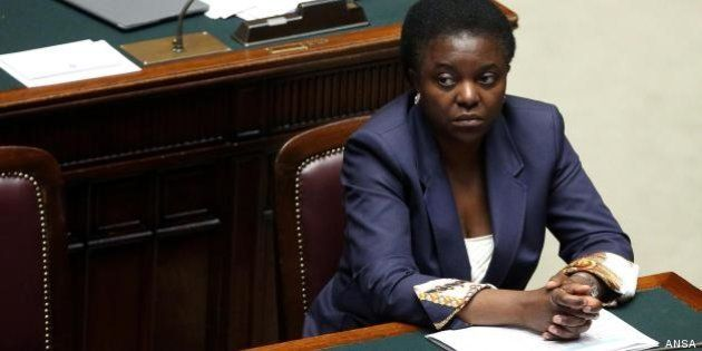 Look governativo: ministre colorate, ministri in grigio, e Cecile Kyenge indossa lo stesso abito a Camera...
