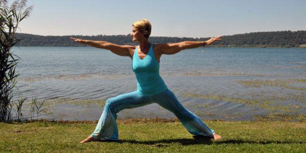 Yoga. Il rientro dalle vacanze e la sequenza per affrontarlo: il ritorno del Guerriero