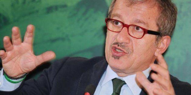 Roberto Maroni si candida alla Regione Lombardia. Berlusconi pronto ad appoggiarlo. E nel Pdl inizia...