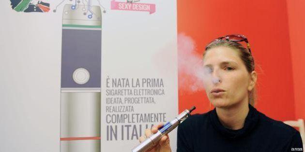 Sigaretta elettronica vietata nei locali pubblici: l'Italia seguirà il modello