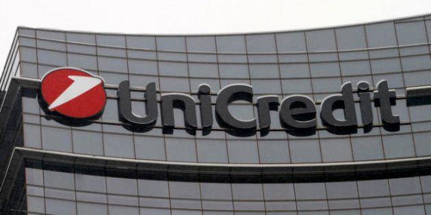 Unicredit chiude il bilancio con un utile di 865 milioni e sorprende gli analisti con una cedola di 9