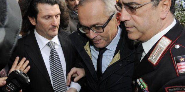 Mps, truffa ai danni della banca: sequestrati 40 milioni scudati. L'ex d.g. Vigni interrogato per otto