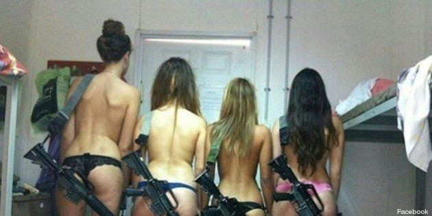 Soldatesse in bikini e fucile: Israele emette provvedimento disciplinare