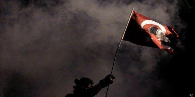 Gezi Park: Istanbul brucia le televisioni si occupano di altro. Il caso di Ntv (FOTO