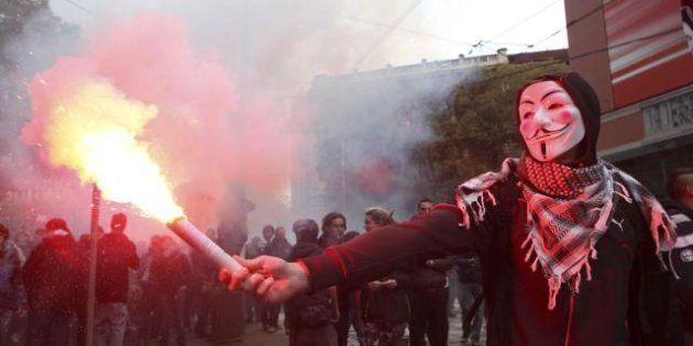 Dopo gli scontri e gli arresti, studenti in conferenza stampa alla Sapienza a Roma