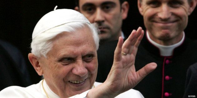 Bendetto XVI torna in Vaticano, da oggi due Papi nei sacri palazzi (FOTO,