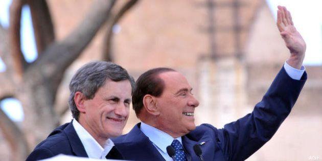 Silvio Berlusconi frena i falchi del Pdl pensando alla Consulta: