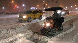 New York è sotto la neve. La tempesta Nemo ha già fatto una vittima