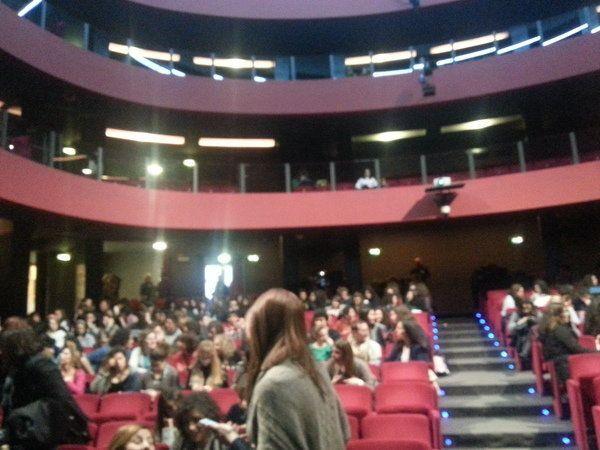 Al mio Paese i giovani vanno a Teatro per formarsi culturalmente e combattere la