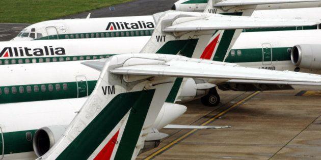 Guasto al sistema informatico dell'Alitalia a Fiumicino. Ritardi da 30 minuti a un'ora. Il Codacons avvia...