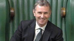 Evans, numero due del Parlamento britannico, accusato di aver stuprato due