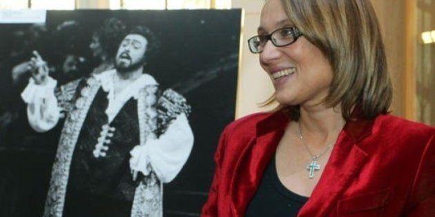 Nicoletta Mantovani contro l'assistente personale di Pavarotti: