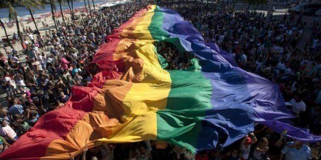 Gay Pride, un milione di persone sfilano a Rio de Janeiro