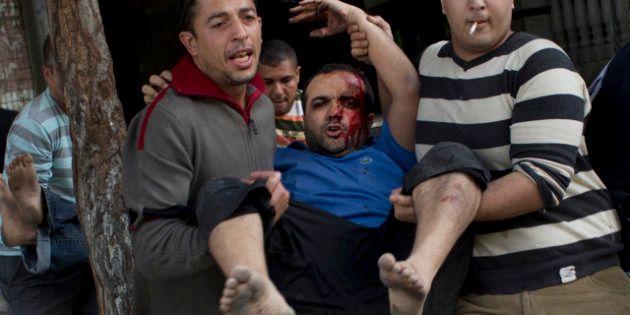 Israele-Palestina, si tratta per la tregua ma i bombardamenti continuano. Razzi su Gerusalemme. Per Hamas...