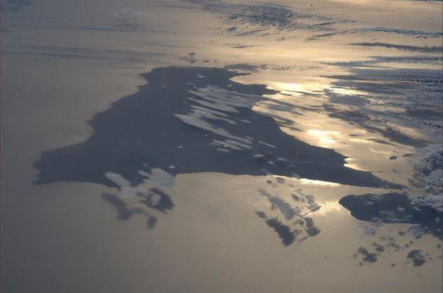 Luca Parmitano fotografa la Sicilia dallo spazio. Lo scatto dell'astronauta è virale su Facebook