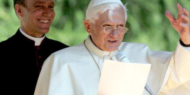 Dimissioni Papa: sconvolti i palinsesti televisivi: stasera su Rai 1 speciale condotto da Bruno Vespa