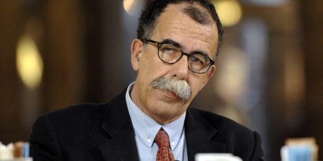 Elezioni 2013, irruzione dei militanti di CasaPound al comizio di Sandro Ruotolo. La replica dei neofascisti:...
