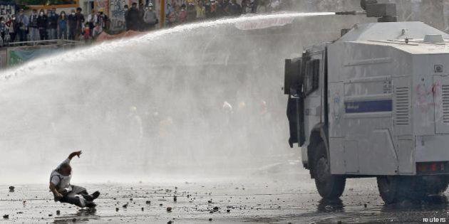 Turchia: polizia occupa piazza Taksim, Erdogan: