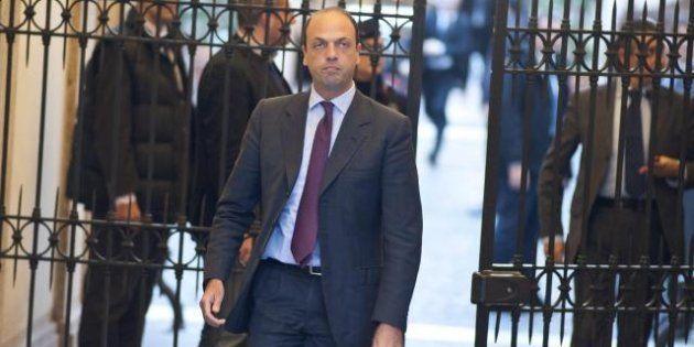 Pdl, psicodramma primarie. Alfano dice che si faranno, ma si consuma la separazione con Berlusconi in...