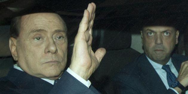 Pdl, la retromarcia di Alfano sulla scissione per riaprire la trattativa con Silvio Berlusconi. Dietro...