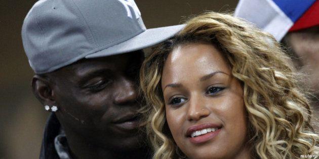 Mario Balotelli e Fanny Neguesha: fidanzati ufficialmente, su Instagram la foto