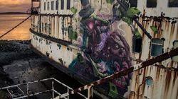 La nave fantasma diventa un'opera d'arte (FOTO)