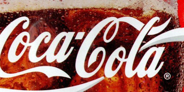 Nuova Zelanda, l'accusa del cornoner: donna di 30 anni morta per overdose di Coca Cola. Beveva 10 litri...