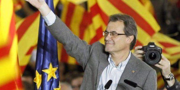 Catalogna domenica al voto. In testa Mas, leader nazionalista che promette